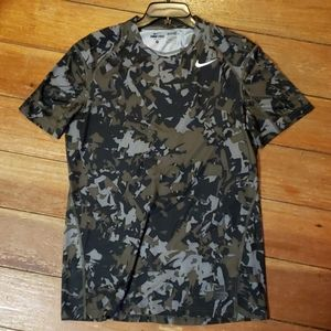 Nike Pro Dri-Fit Fitted Camo Short Sleeve Shirt